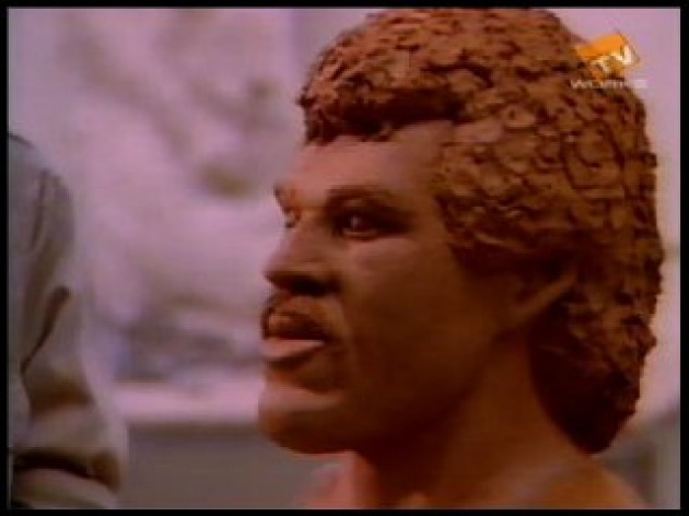 lionel-richie-sculpture