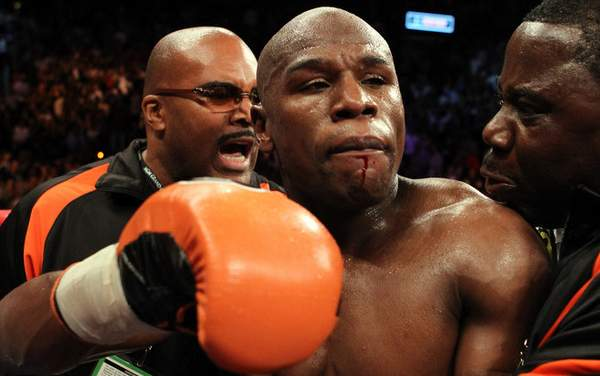 Floyd-Mayweather-Busted-Lip