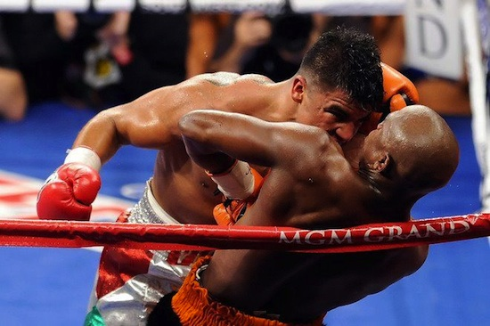 Mayweather-vs-Ortiz-Headbutt