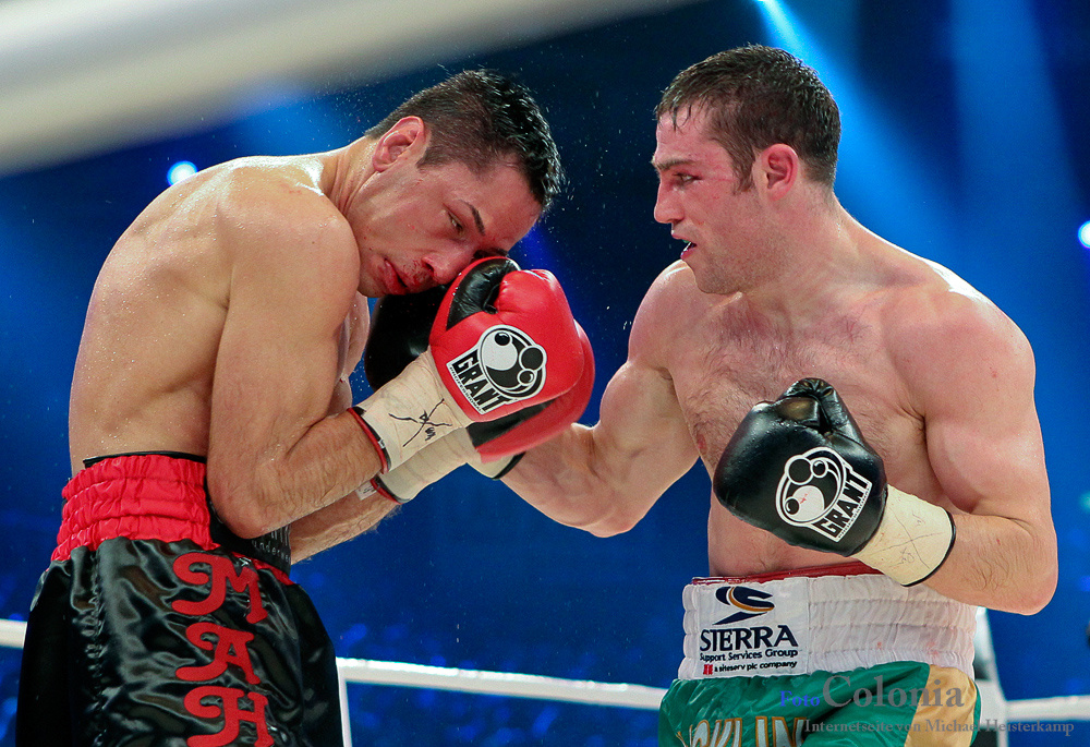Felix LEONIDAS Sturm vs. Matthew THE KNIFE Macklin