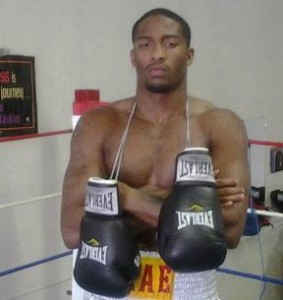 KEANDRE LEATHERWOOD  WINS  WITH 4TH ROUND KNOCKOUT