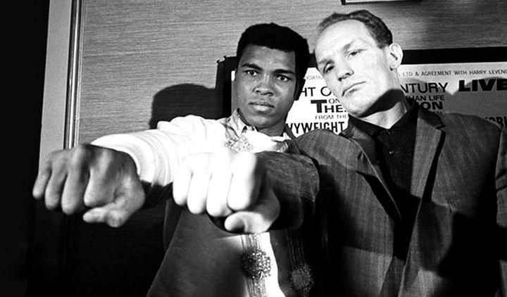 Muhammad Ali KO 6 Henry Cooper