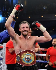 'Irish' Andy Lee looks to keep title vs. Quillen Saturday